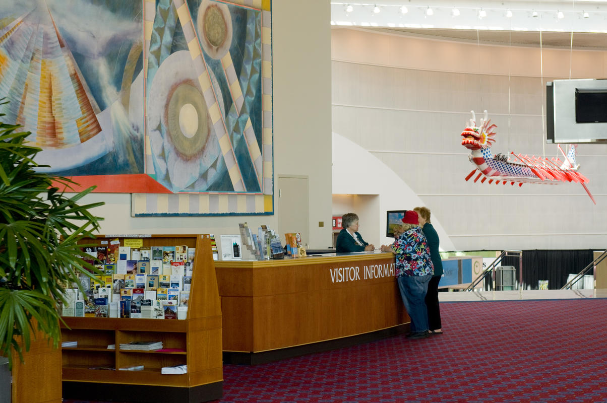 photo of the visitor information desk