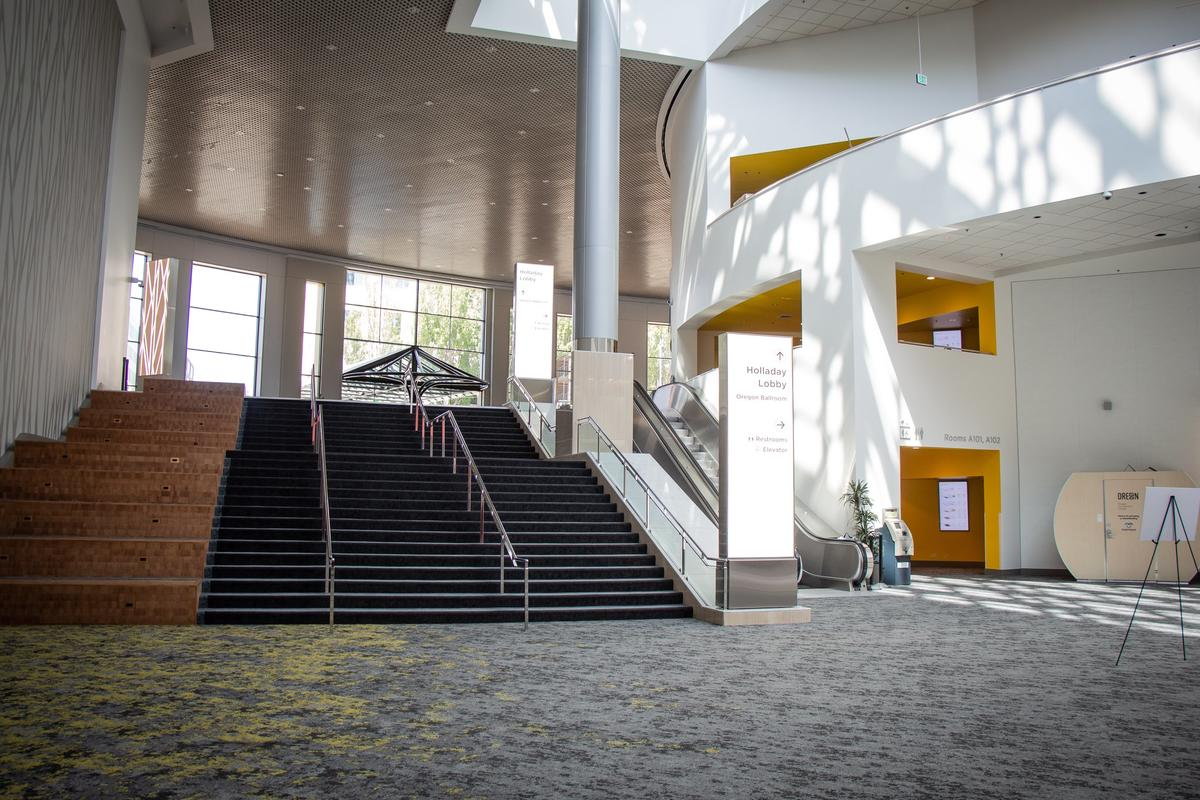 The lobby and sit-steps near Exhibit Hall A at the Oregon Convention Center