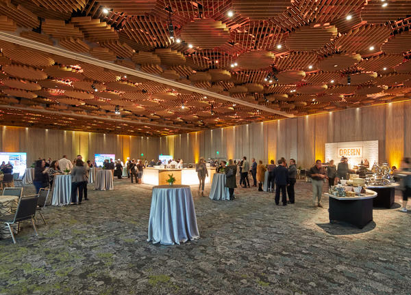 The Oregon Ballroom at the Oregon Convention Center 02